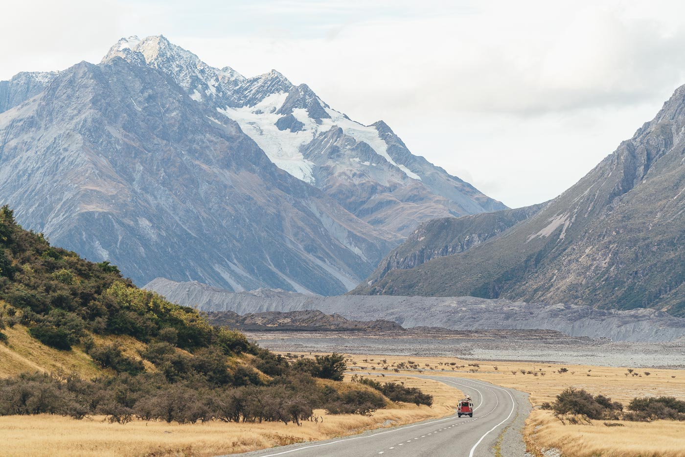 Deuce Rover on the way to the Tasman glacier in the Mount Cook National Park.